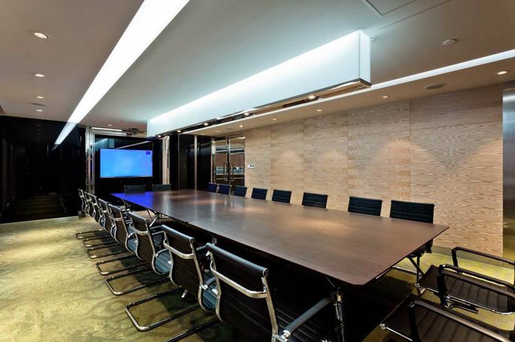 10—20人的会议室设计效果图