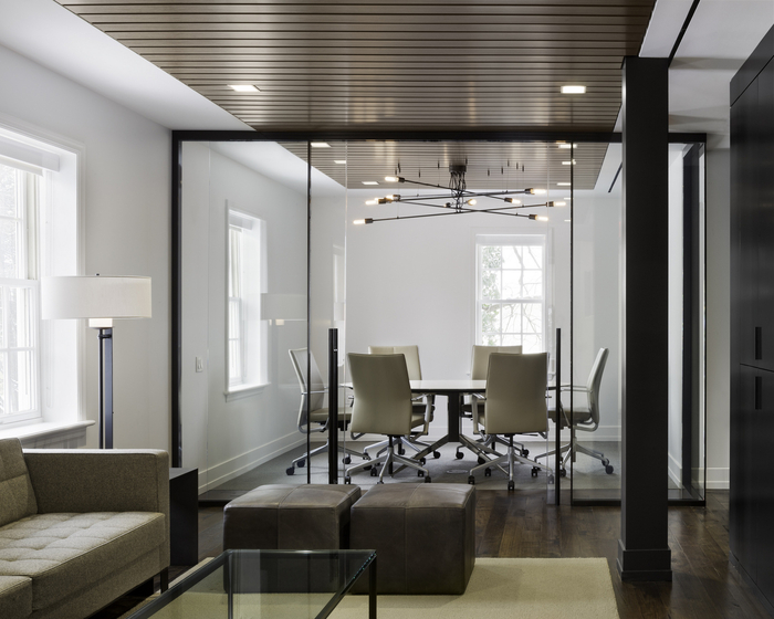300平米办公室设计费用是多少钱?