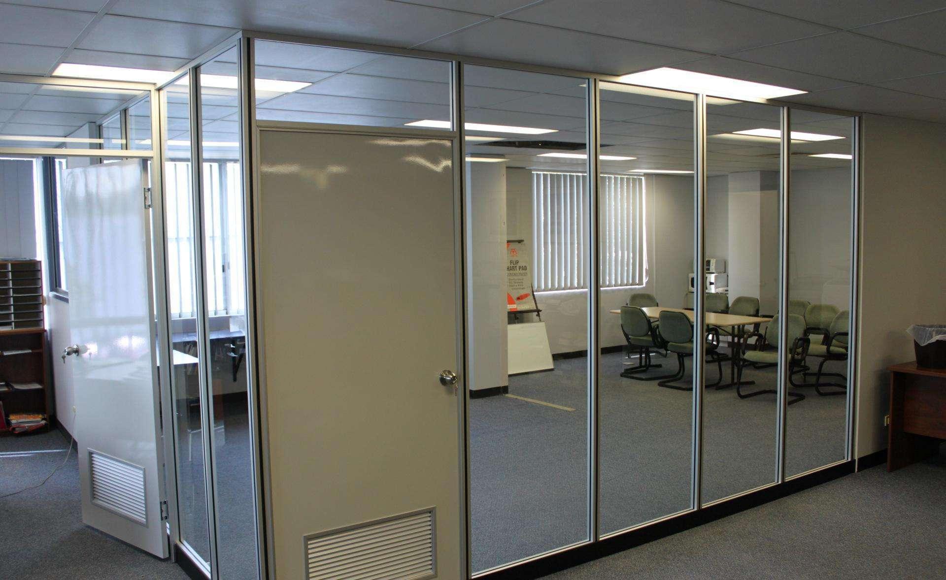 办公室隔断多少钱一平米?办公室玻璃隔断价格