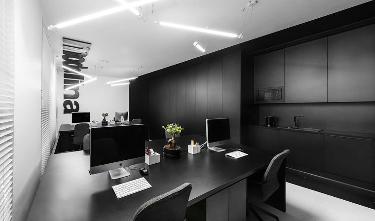 lina新办公室翻新设计装修效果
