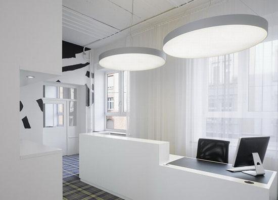 浦东2000平方公司办公楼装修设计