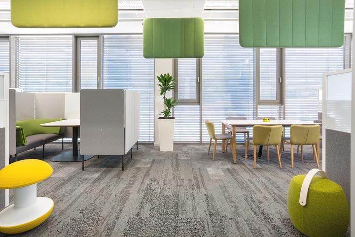 轻松与舒适的办公室接待区设计效果图