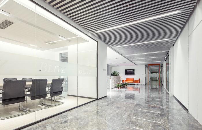 1800平方服装设计公司办公室装修效果