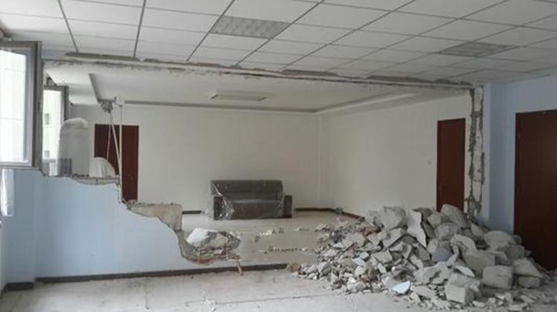 办公室装修改造怎么拆墙安全?