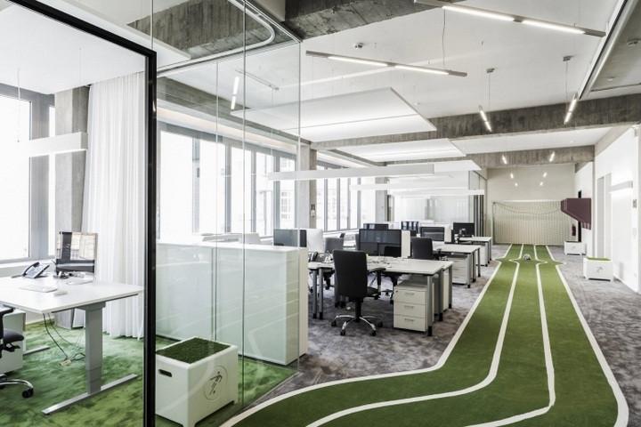 浦东办公室设计之足球体育用品公司办公室