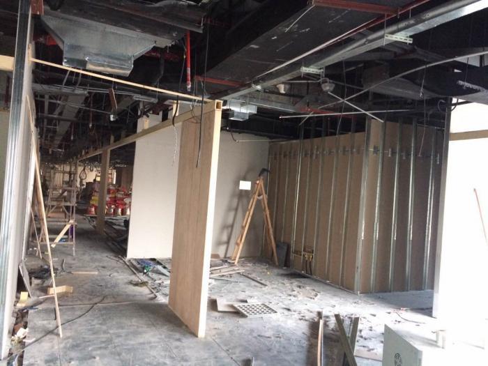 上海徐汇龙华办公室装修施工之隔断阶段现场