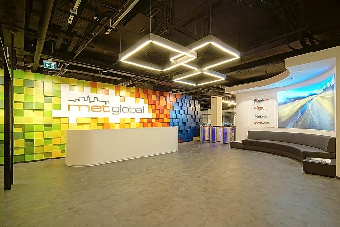 七彩颜色办公室前台设计效果图