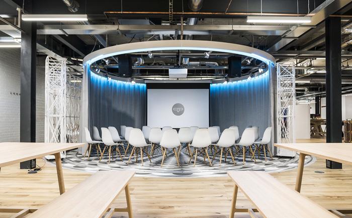 800平米科技公司办公室装修图片