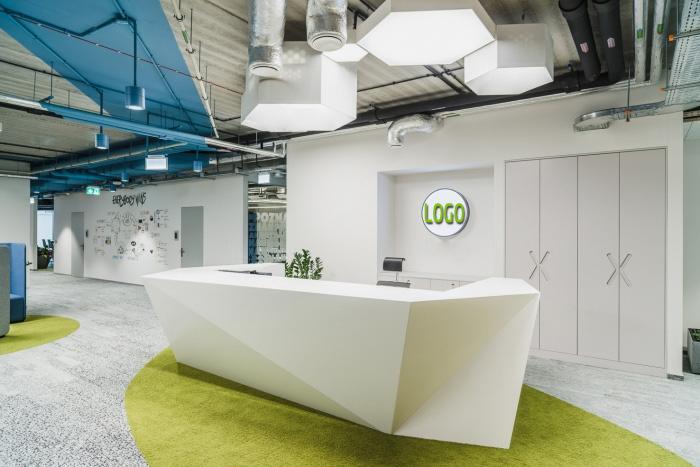 现代办公空间装饰规划三面施工做法