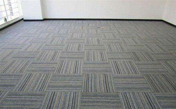 办公室地面铺设地毯的选择哪种