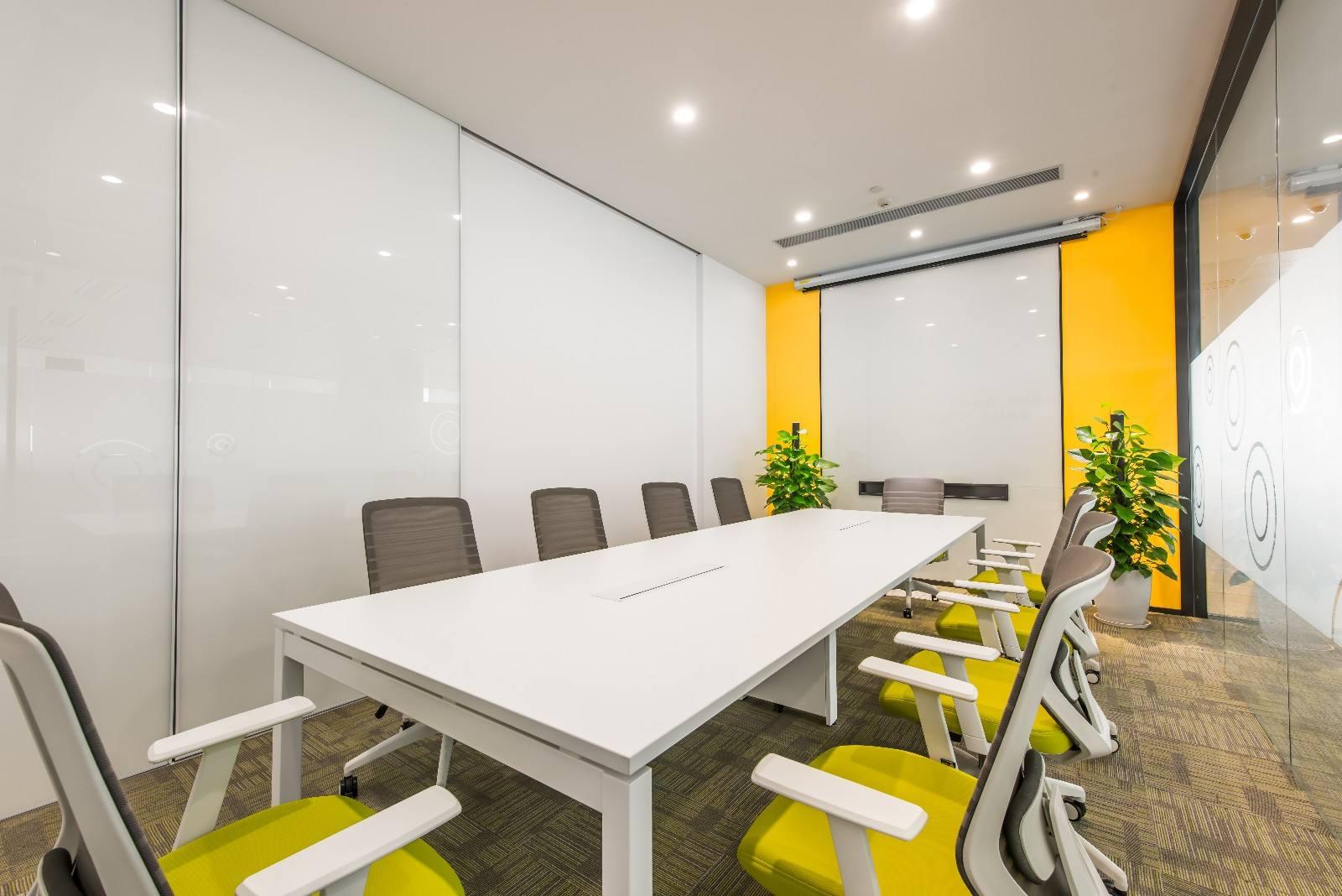 简约现代风格小型会议室装修设计实景图