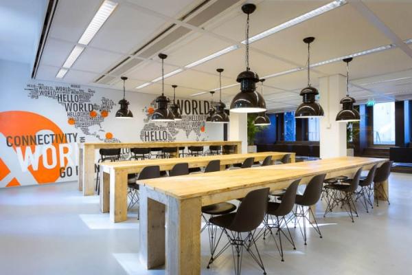 浦东办公室装修网络公司办公室设计效果
