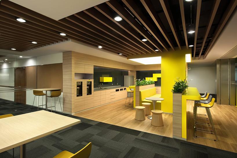 科技公司中心办公楼空间设计图片