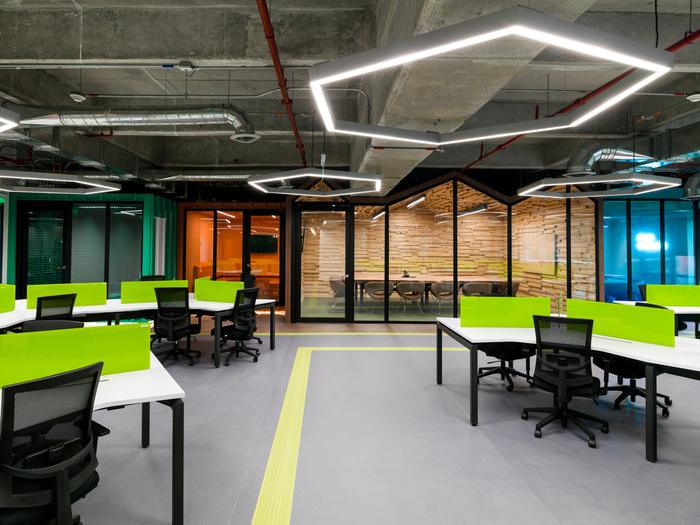 黄浦软件公司办公室设计效果案例