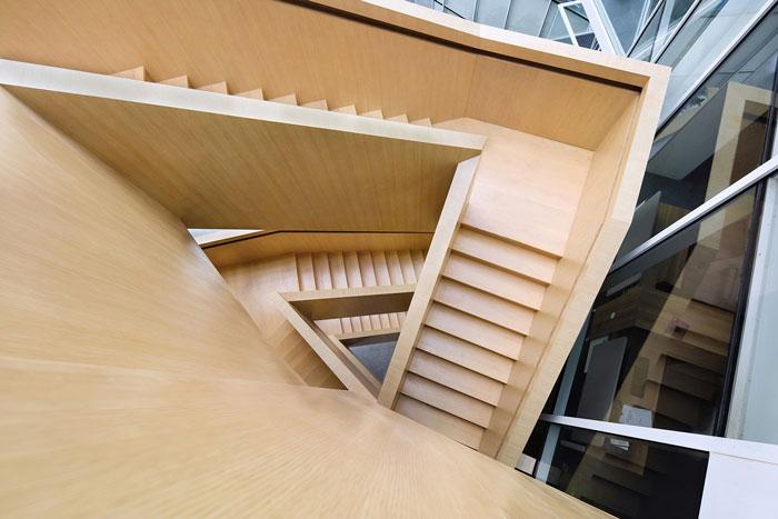集团总部办公楼木楼梯设计方案