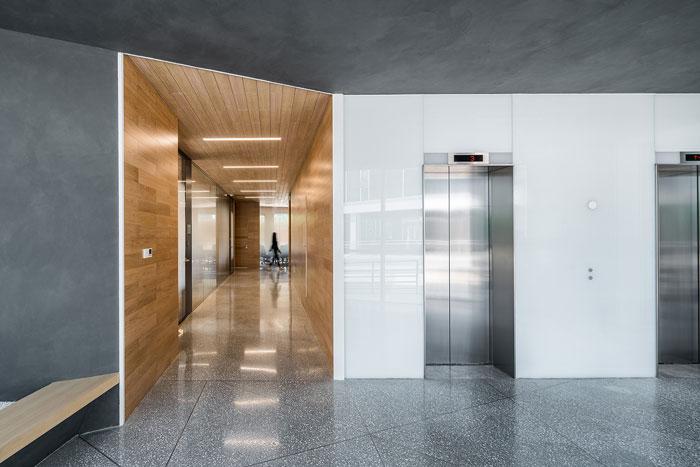 集团总部办公楼一层公共走道设计方案