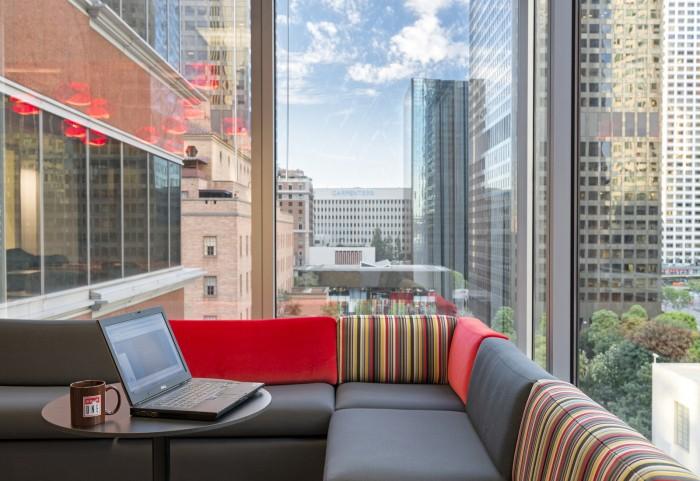 個性辦公空間設計溫馨的休息室