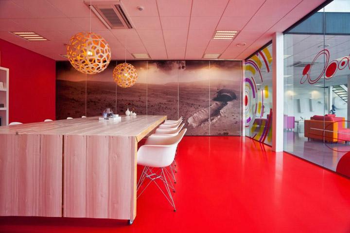 辦公空間設計顏色的選取更顯家的概念