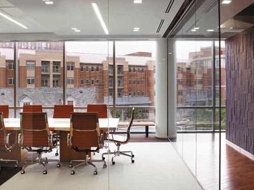 不同辦公家具區分的特色辦公空間設計