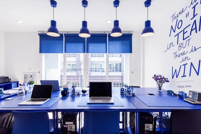 鮮艷的三原色用為辦公空間設計色彩