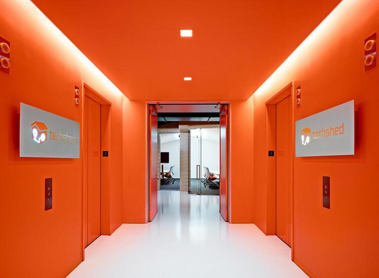 青春逼人的創意辦公空間設計