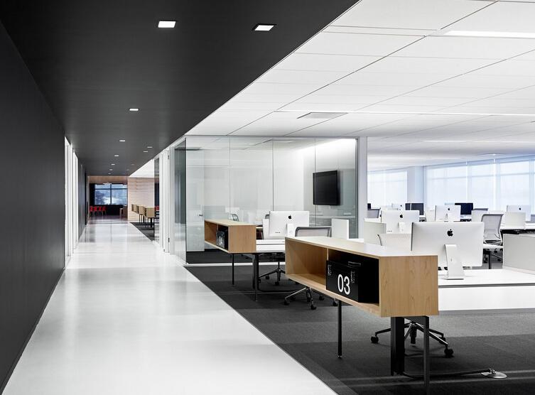 簡潔的現代辦公空間設計風格