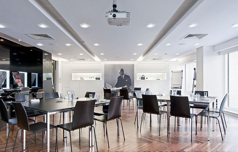 迪奧(Dior)高端產品從這個氣質辦公空間誕生