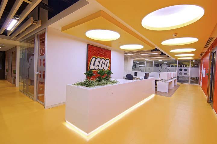 啟發童年的記憶的樂高積木辦公空間設計