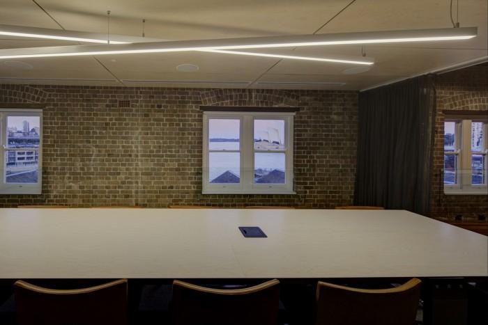 澄凈的辦公空間設計美學