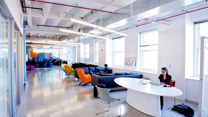上海办公楼装修- 幾何色塊融合辦公空間,美國1871聯合辦公專案