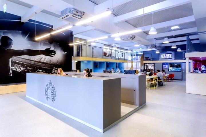 上海办公楼装修- 英國內閣之聲唱片公司辦公室