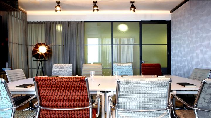上海写字楼装修- 轉變辦公空間功能,領英(LinkedIn)義大利米蘭辦公室設計案例