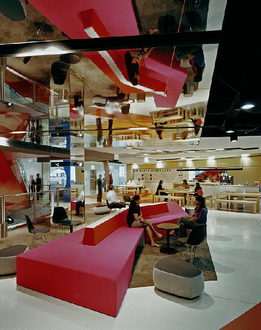 上海写字楼装潢- 富有现代感的AXA安盛亚太地区总部办公设计