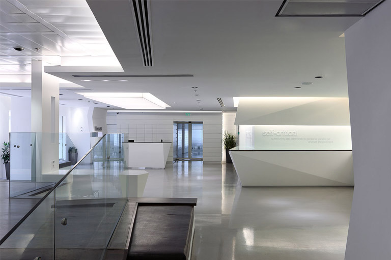上海写字楼装潢- 未来科技感:微软以色列新办公室设计