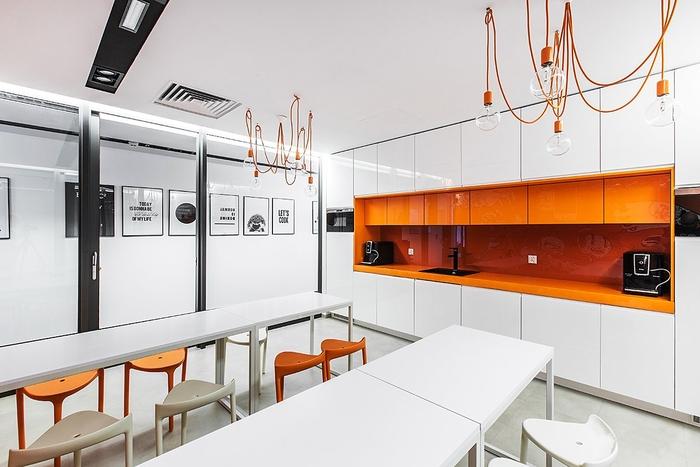 上海办公楼装修- 多彩舒适波兰克拉科夫FreshMail现代办公空间设计