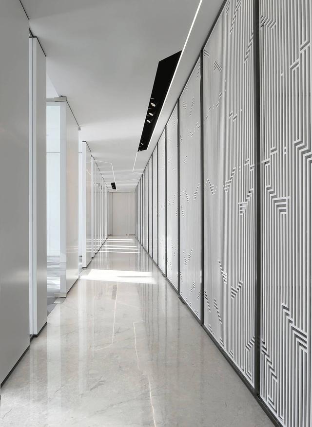 上海写字楼装潢- 纯白色的时尚办公空间设计